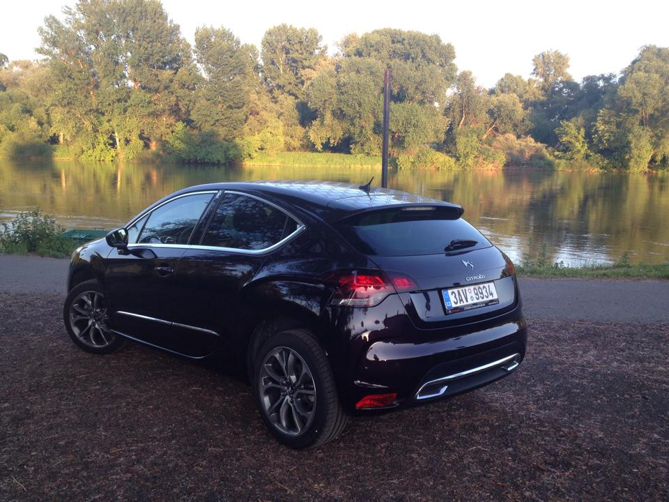 CITROËN DS4 2.0 HDi Fabourg Addict | Autotest CARSHOUSE